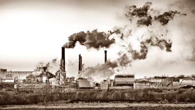 Ilustrasi Menghindari Tempat Sumber Polusi sebagai Cara Mengatasi Batuk Kering